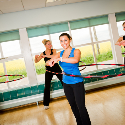 Guests enjoying the hulahooping fitness class